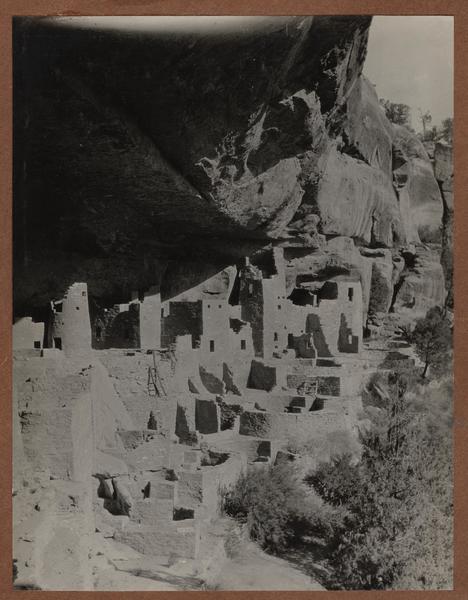 Cliff-dwellings at Mesa Verde, Colorado