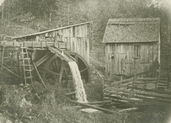 Waterwheel at mill near Cumberland, Tennessee.