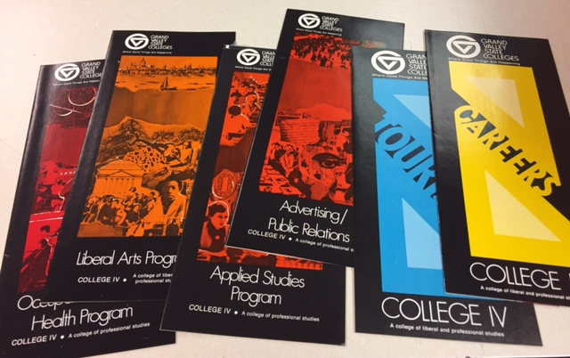 CollegeIV_brochures
