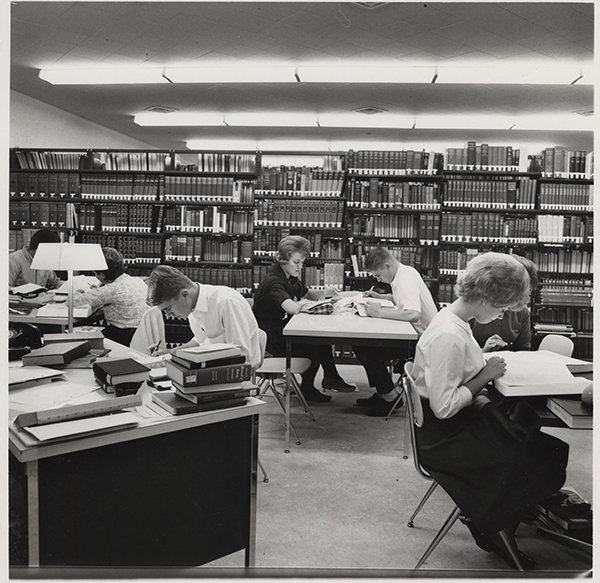 Lake-Mich-Hall_library