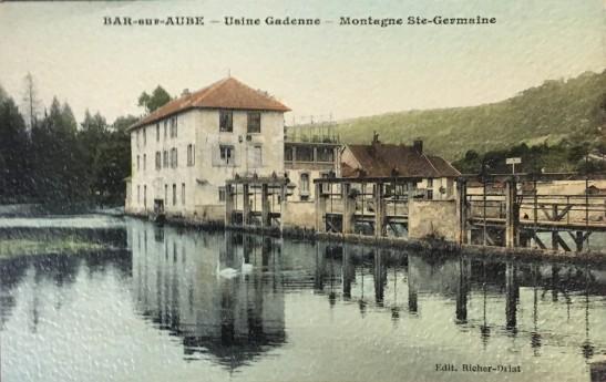 [Postcard front] Bar-aus-Aube - Usine Gadenne - Montagne Ste-Germaine